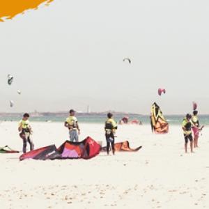 kitecamp, Kiteschüler und Instruktor Los Lances Beach