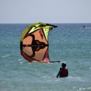 kitesurf camp for teens tarifa, starting the kite