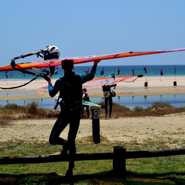 windsurf camp for teens tarifa, before the start of the windsurf lesson