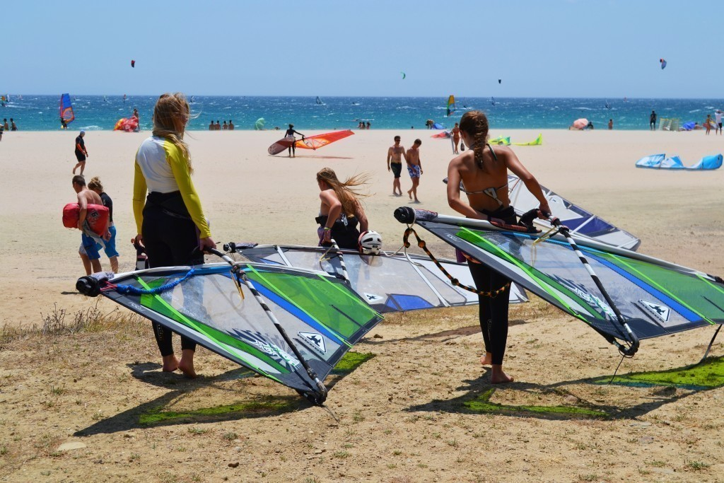 Windsurf camp for teens, girls power