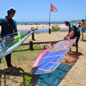 windsurf camp for teens, windsurf students with sails