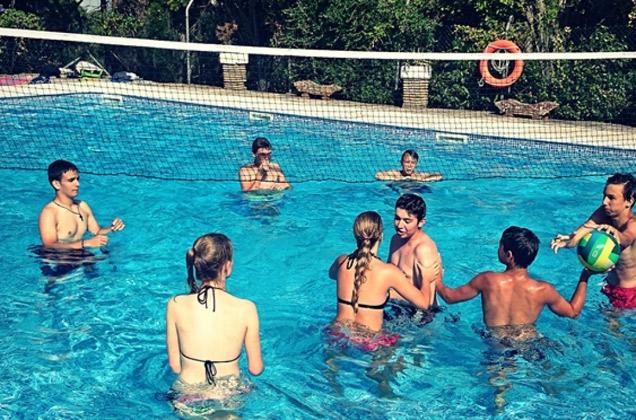 International-fun-teen-camp-Tarifa, pool Huerta Grande