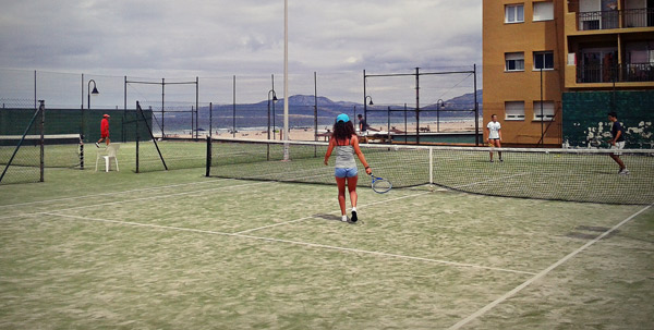 Spanish-summer-activity-Camps-Tarifa, tennis polideportivo Tarifa