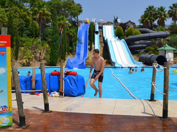 camp-teens-in-Tarifa, Water Park Bahia Algeciras