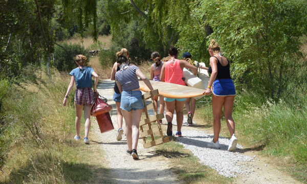 Summercamp-program-for-young-adventurers, raft building