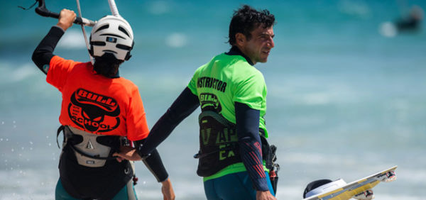 Kitesurf-Camp, Tarifa, student with kitesurf instructor