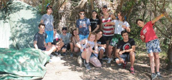 agenda-del-campamento-de-Aventura-Tarifa, construir un refugio