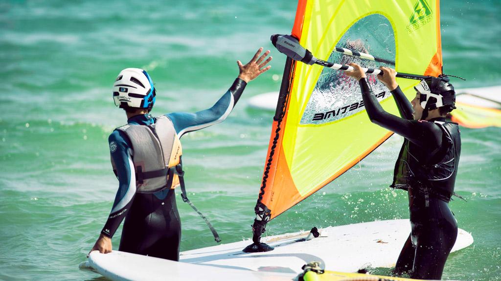 Campamento-de-windsurf-Tarifa, playa Valdevaqueros