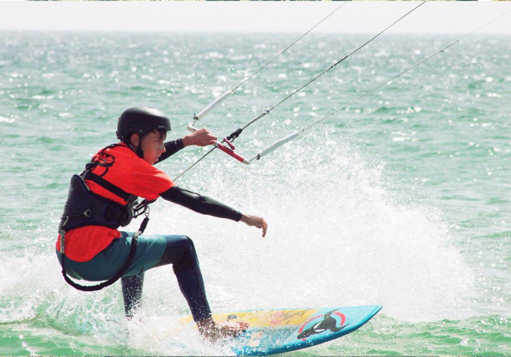 Sommercamps-in-Spanien-Kitesurf